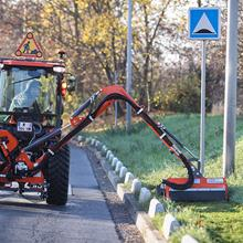 Débroussailleuse adaptable sur tracteurs à bout de bras