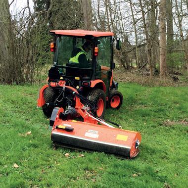 Tondeuses-débroussailleuses, Tondeuses-broyeuses, Epareuses - Tondeuse-broyeuse adaptable sur tracteurs - Photo 1