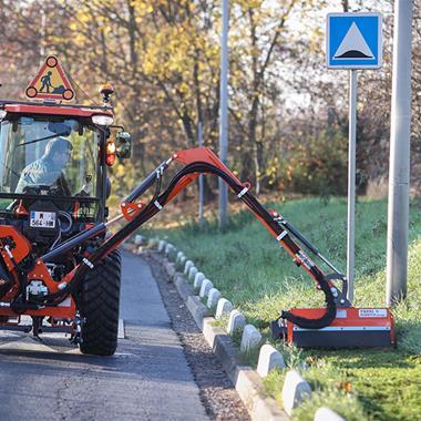 Tondeuses-débroussailleuses, Tondeuses-broyeuses, Epareuses - Débroussailleuse adaptable sur tracteurs à bout de bras - Photo 1