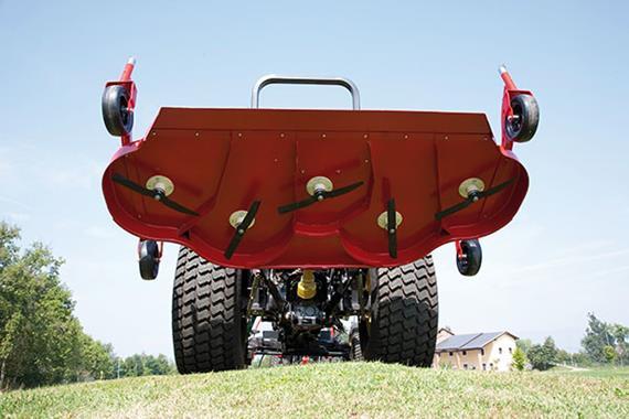 Tondeuse adaptable sur tracteurs - Photo
