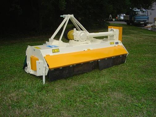Tondeuses-débroussailleuses, Tondeuses à fleaux, Tondeuses-broyeuses, Epareuses - Tondeuse-broyeuse spécial tracteurs de pente - Photo 1